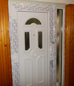 műanyag ajtók